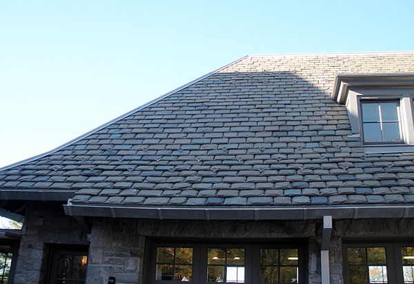 Heavy grade slate is 1/2″ to 3/4″ in thickness and bring a more robust texture to the roof, as well as additional strength.