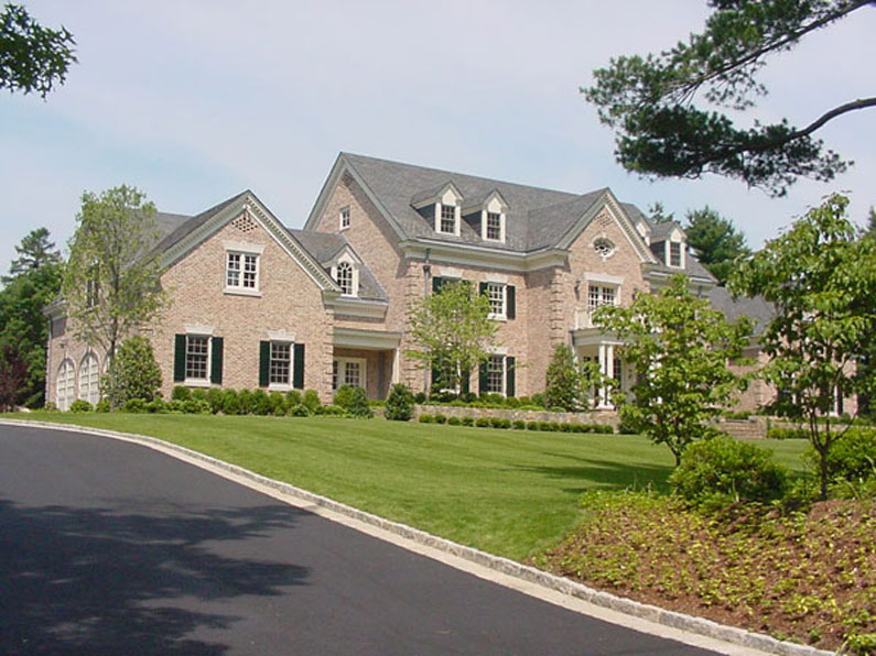 Grand Stone Colonial with Vermont Gray / Black slate