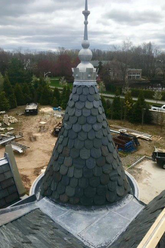 Vermont Black Slate : New england residence with greenstone vermont black slate roof