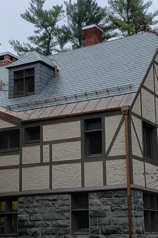 The Yaddo mansion received a genuine slate roof during roof restoration project.